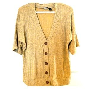 Like new button down cardigan